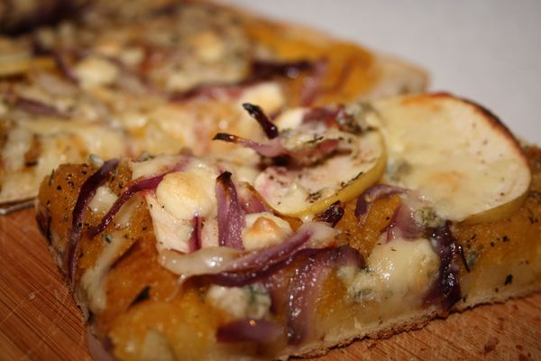 Squash, Gorgonzola, Apple, and Red Onion Pizza - the arugula files